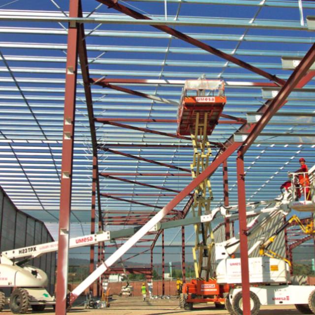 CONSTRUCCIÓN CON acero en minería: FLEXIBILIDAD, CALIDAD y ahorro