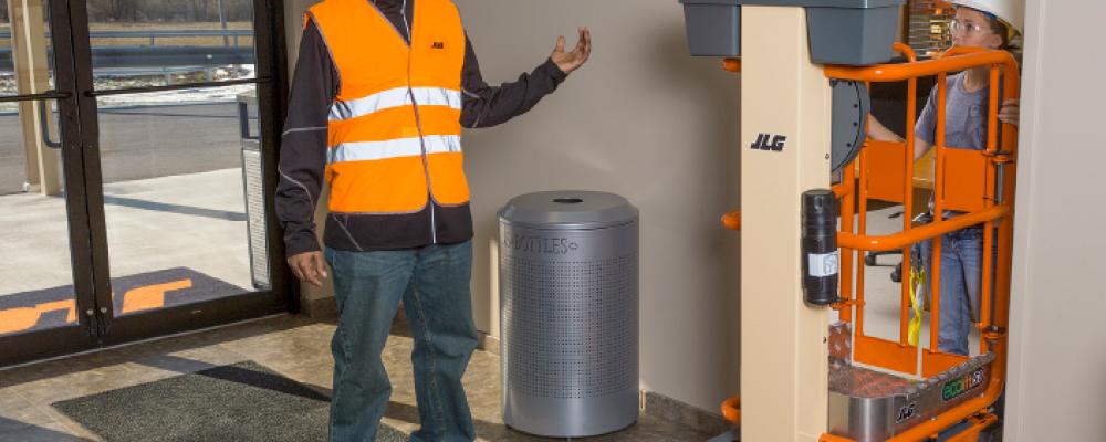 EcoLift™ proporciona una solución ecológica PARA LOS CLIENTES QUE BUSCAN una alternativa segura y más eficiente a las ESCALERAS Y ANDAMIOS